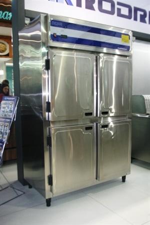 Geladeira industrial inox 1300x700x2050