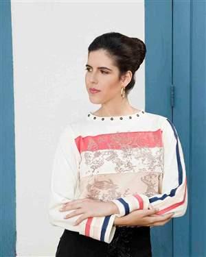 Blusa de Moleton Recortes Coloridos Com Silk  - REF A945