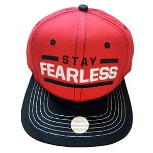 "Boné WWE Nikki Bella ""Stay Fearless"" +BRINDE ORIGINAL Pronta Entrega"