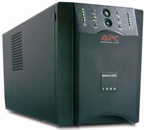 Nobreak APC Smart-UPS 1000VA USB & Serial 230V